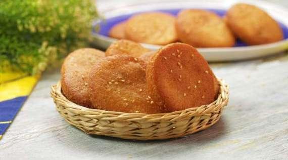 Meethi Tikiyan Recipe In Urdu