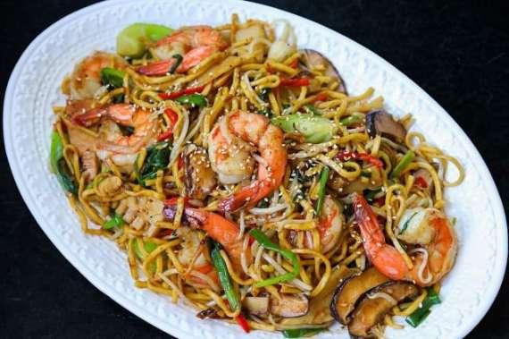 Vegetable And Shrimp Chow Mein Recipe In Urdu