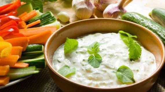 Salad And Dahi Ki Dressing Recipe In Urdu