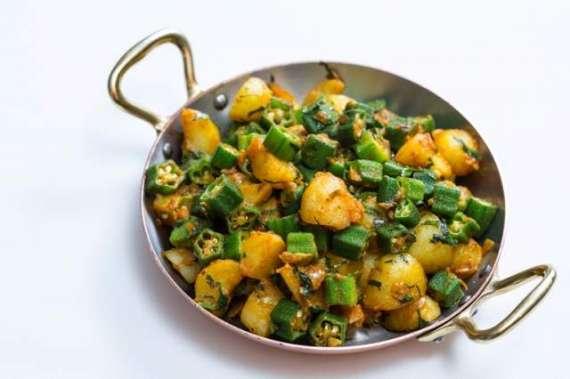 Bhindi Or Aloo Ki Karahi Recipe In Urdu
