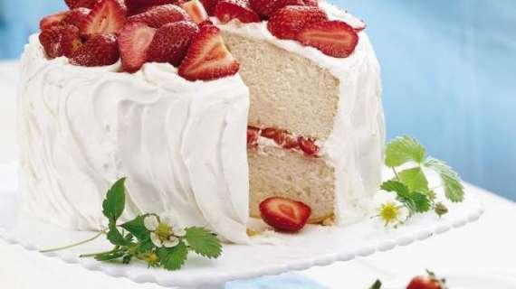 Strawberry Yogurt Cake Recipe In Urdu