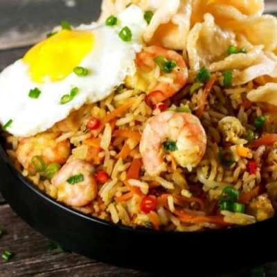 Nasi Goreng - Indonesian Fried Rice Recipe In Urdu