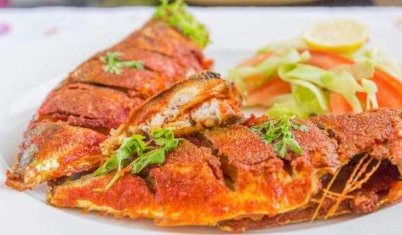 Kolkata Kari Fish With Crispy Vegetables Recipe In Urdu