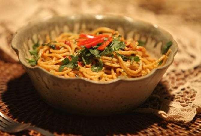 noodles aur spicy sauce Recipe In Urdu