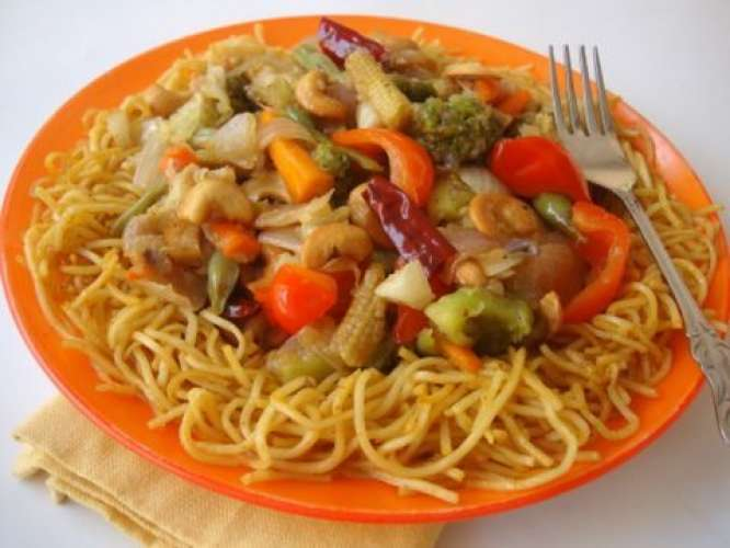 Khubani aur noodles Recipe In Urdu