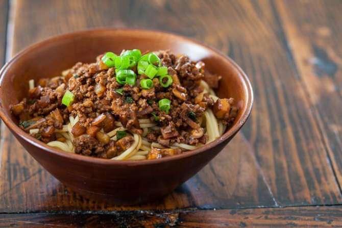 Meat sauce noodles Recipe In Urdu
