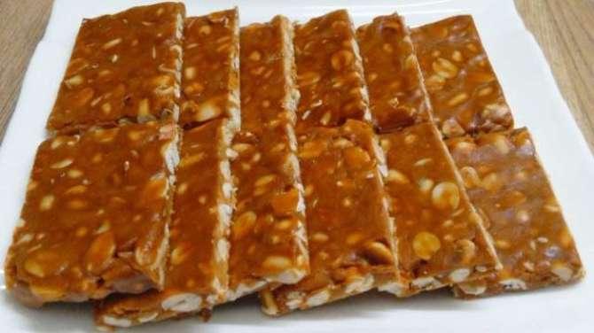 moong phali ki toffee Recipe In Urdu