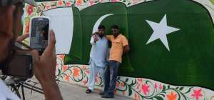 Artists reclaim Karachi city walls from hate graffiti