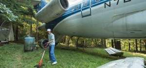 Oregon man makes a comfortable home inside a retired plane