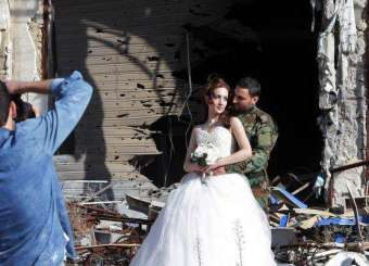 Newlyweds In The Ruins