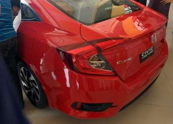 Honda Civic 2016 Hit Pakistani Showrooms