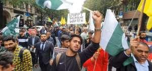 کشمریوں سے اظہار یکجہتی کیلئے پاکستانیوں کا فرینکفرٹ جرمنی میں احتجاج