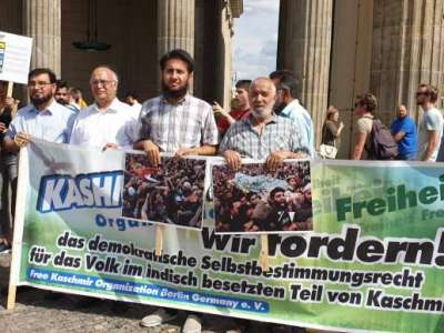 Pakistanis Protest for Kashmir in Berlin, Germany