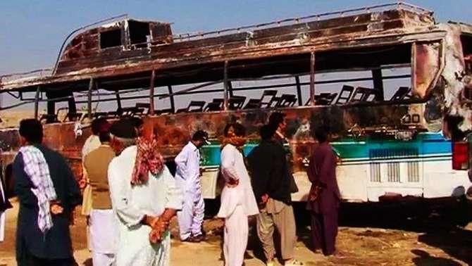 11 Hazar Watt Ki Tar Buss Se Takrane Se Derh Darjan Barati Zinda Jal Gaye