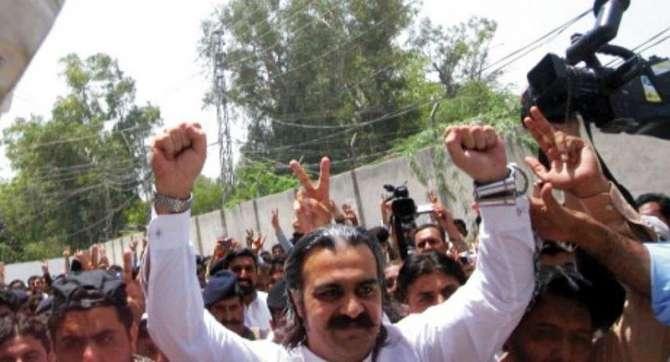 Sobai Wazir Maal Ali Amin Gandapur K Khilaf 3 Muqadmaat