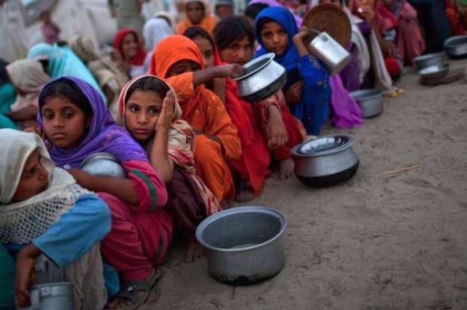 Pakistan Ghizaayi Qillat Ka Shikar Hai