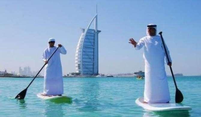 Dubai Main Awam Ko Khush Rakhne K Liye Hakomat Ki Anokhi Mohim
