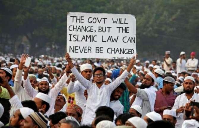 Modi Hukumat ki Muslim Personal law sy Chair charr