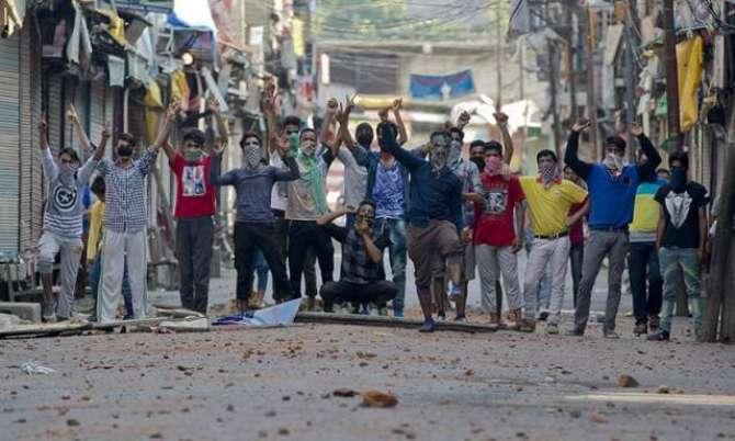 masla Kashmir ka hal mafahmat ya muzahmat ?