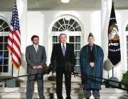 صدر بش، صدر مشرف اور حامد کرزئی ملاقات کے بعد مشترکہ پریس کانفرنس سے ..