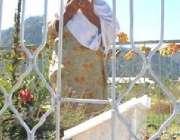 بالاکوٹ،ایک خاتون آٹھ اکتوبر کے زلزلے میں ہلاک ہونے والی اپنی بیٹی ..