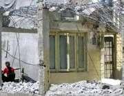 مظفر آباد، زلزلے کے ایک سال گزرنے کے باوجود کوئی زلزلہ زدگان کی عمارتوں ..