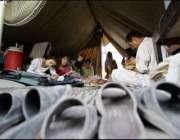 مظفر آباد، زلزلہ زدگان کے بچے ایک سال گزرنے کے باوجود ٹینٹ سکولوں میں ..
