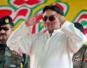 مظفر آباد، صدر مشرف زلزلہ زدگان سے خطاب کرنے کے لئے آرہے ہیں۔