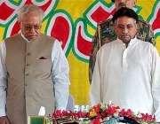 مظفر آباد، صدر مشرف ایک منٹ کی خاموشی اختیار کئے ہوئے۔