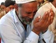 بالاکوٹ، زلزلے میں ہلاک ہونے والے اپنے عزیزوں کی یاد میں ایک بزرگ شہری ..