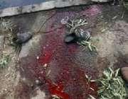 بغداد،امریکی کانوائے پر حملے کی جگہ پر خون بکھرا ہوا ہے۔