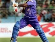 جے پور،پاکستان اور سری لنکا کے میچ کے دوران سری لنکن بلے باز جے سوریا ..