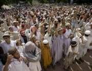 اسلام آباد،لال مسجد اور دیگر مدارس کے طلبا نماز جمعہ کے بعد لال مسجد ..
