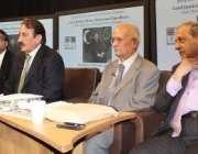 لندن، چیف جسٹس افتخار محمد چوہدری وکلا کمیونٹی سے خطاب کر رہے ہیں۔