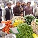 حافظ آباد ، رکن صوبائی اسمبلی ملک فیاض سہولت بازار میں چیزوںکی قیمتیں ..
