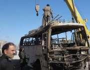 کوئٹہ، مغربی بائی پاس اختر آباد کے قریب زائرین کی بس پر خودکش حملے کے ..