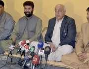کوئٹہ، وزیراعلی بلوچستان ڈاکٹر عبدالمالک بلوچ گزشتہ روز بم دھماکے ..