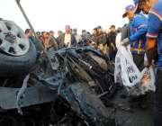 کراچی، ایس ایس پی سی آئی ڈی چوہدری اسلم کی گاڑی پر کار بم حملے کے بعد ..