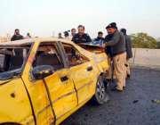 کراچی، پولیس اہلکار ایس ایس پی سی آئی ڈی چوہدری اسلم پر بم حملے کے بعد ..