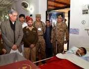 بنوں ، وزیراعلی خیبرپختونخوا پرویز خٹک بم دھماکہ میں زخمی ہونے والے ..