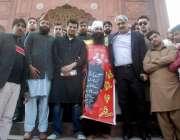 لاہور: وزیر اعلیٰ پنجاب کے مشیر برائے صحت خواجہ سلمان رفیق اور گورنر ..