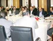 لاہور: وزیر اعلیٰ پنجاب شہباز شریف صوبائی کابینہ کے اجلاس کی صدارت ..