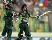 ڈھاکا: ایشیاء کپ کے فائنل میچ میں فواد شاندار سینچری اسکورکرنے کے بعد ..