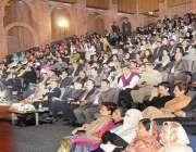 اسلامآباد ، صدر مملکت ممنون حسین خواتین کے عالمی دن کے موقع پر منعقدہ ..