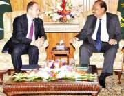 اسلامآباد، کوسوو کے وزیر خارجہ اینور ہوکس ہاج ایوان صدر میں صدر مملکت ..
