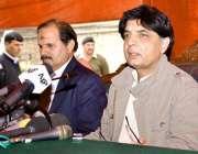 اسلام آباد، وزیر داخلہ چوہدری نثار علی خان نادرا ہیڈکوارٹرز میں پریس ..