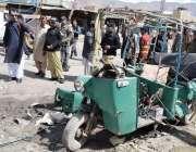 کوئٹہ: سریاب تھانے کے سامنے بم دھماکے میں تباہ ہونے والا رکشہ۔
