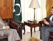 اسلام آباد، افغانی سفیر جنان موسی زئی مشیر خارجہ سرتاج عزیز سے ملاقات ..