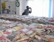 کراچی، ایسٹ پولیس کے ہاتھوں گرفتار ملزمان کے قبضے سے برآمد ہونے والی ..