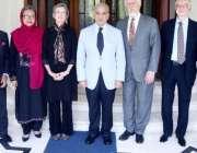 لاہور ، وزیراعلی پنجاب شہباز شریف کے ہمراہ امریکہ کی یونیورسٹی آف لوئس ..